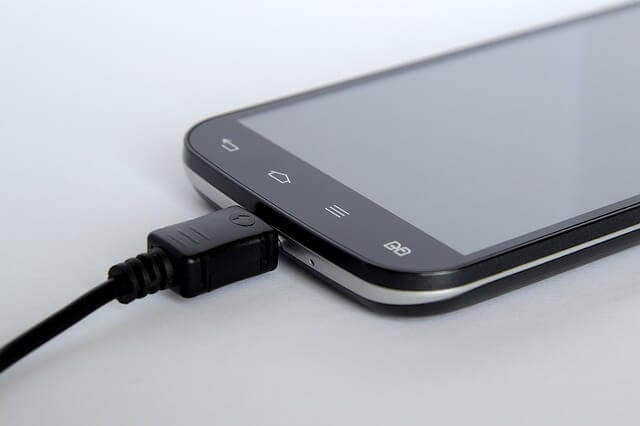 smartphone-1641906_640